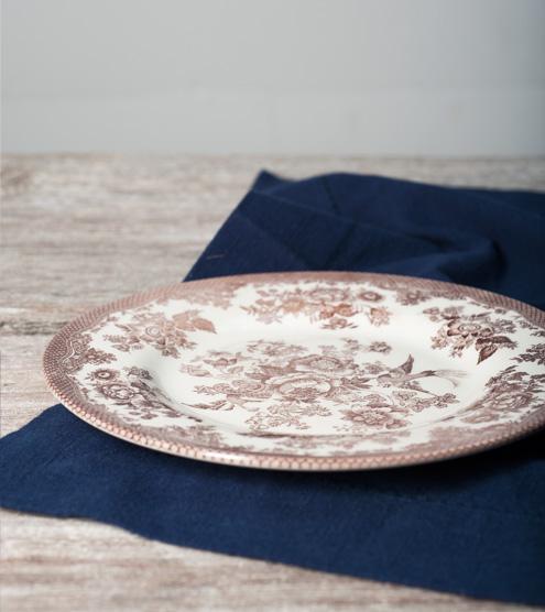 Assiette-fleurie-brune